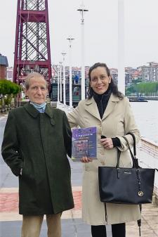 Mikel Mauleón Torres y Marta Prado Larburu, autores del libro